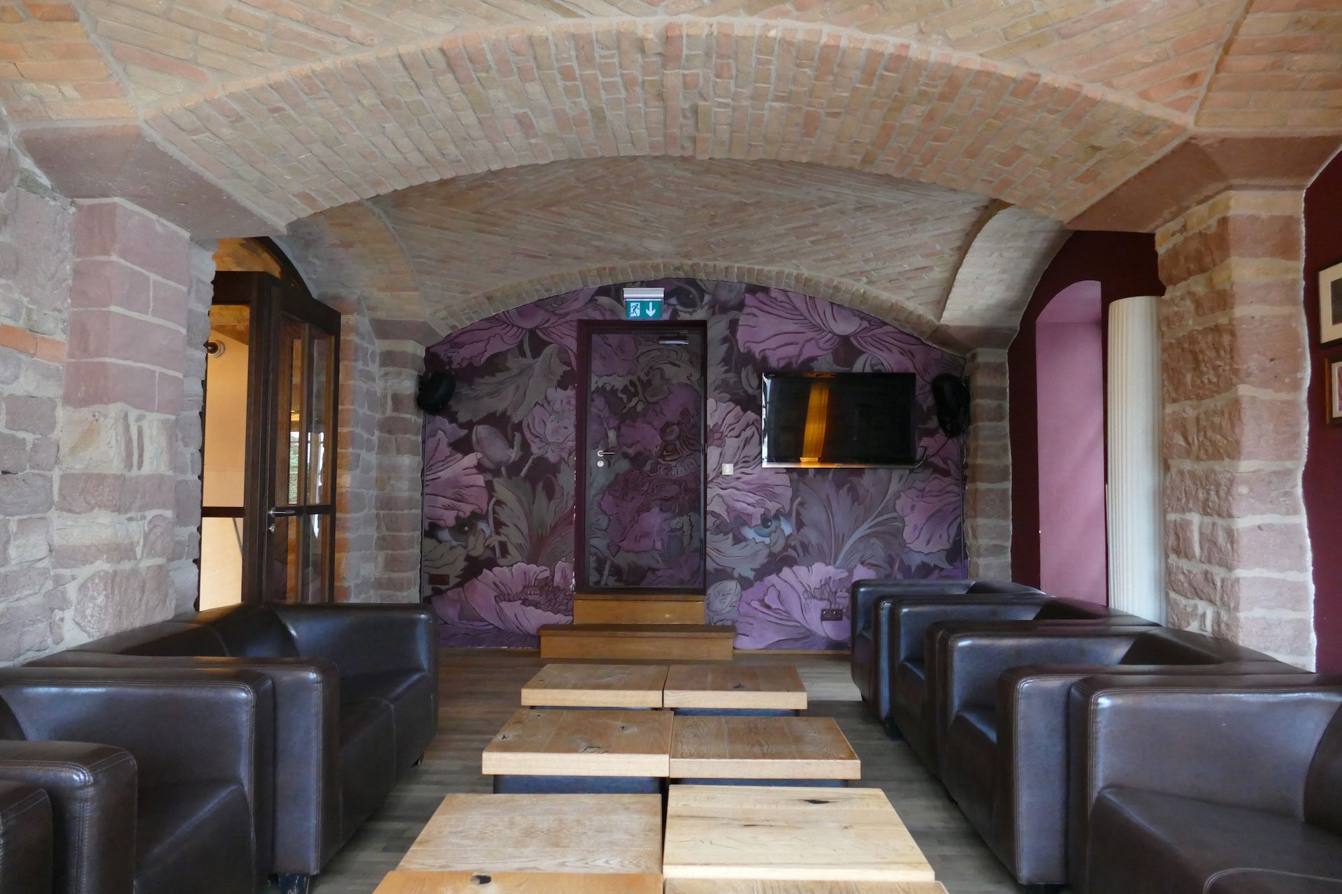 Die Lounge in der cafebar maximilian in Speyer
